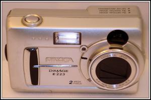 2003 : dimage e223